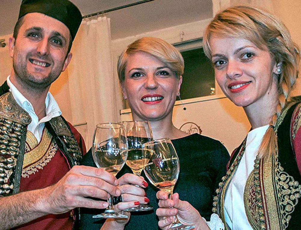Mlada vina prvi put na degustaciji